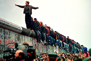 Historic moments in jeans: the fall of the Berlin Wall